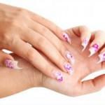 Рис. 1. Часто после снятия акрила с ногтевых пластин, люди замечают появление белых полосок и пятен, которые являются проявлением травмы ногтевого ложа или следствием аллергической реакции на отдельные химические компоненты.