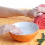 Рис. 2. Алоэ можно использовать для оздоровления ногтей, лечения ранок и ссадин, устранения неприятного цвета ногтевых пластин.