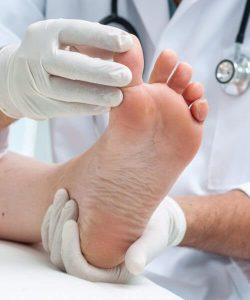 Рис. 4. Хирургическое лечение вросшего ногтя.